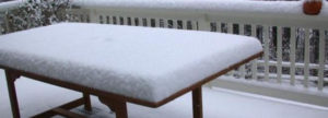 table-with-snow